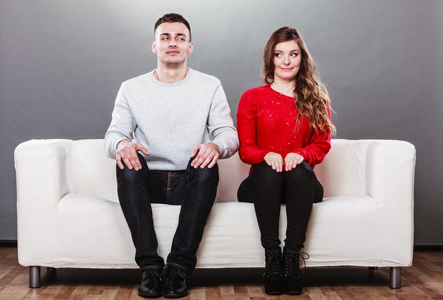 couple-awkward-date