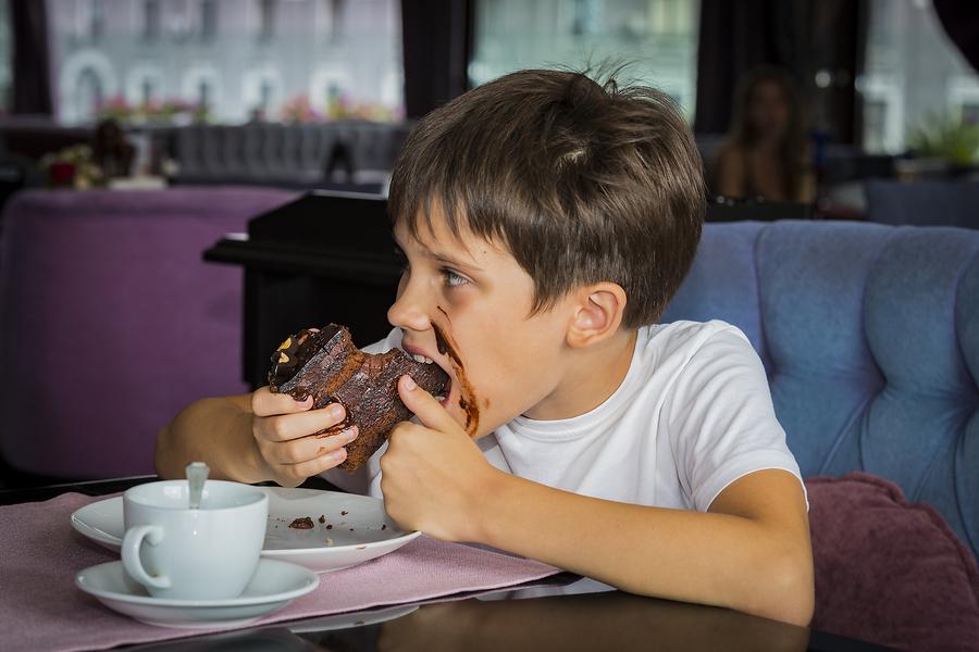 boy-eating-cake